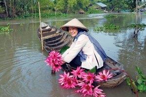 thieu_nu_cheo_xuong