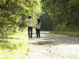 lovers_walking