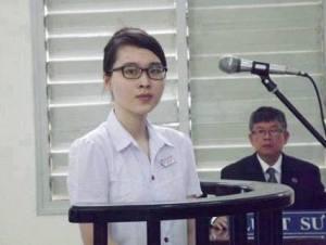 nguyen_phuong_uyen_truoc_toa_an