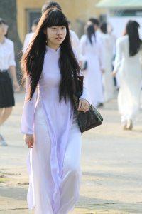 nu_sinh_ao_trang