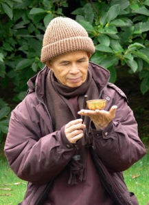 thich_nhat_hanh_and_awakening_bell