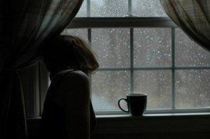 sad_girl_by_the_window