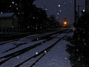 train_in_snowing_night