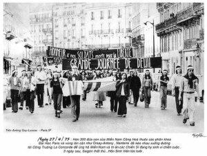 sinh_vien_vn_bieu_tinh_o_paris_27_4_1975