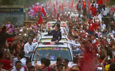 myanmar-aung_san_suu_kyi-election_victory-2015
