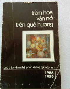 bia_tram_hoa_van_no_tren_que_huong_1