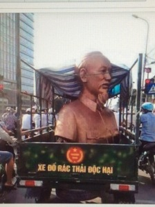 tuong_hcm_tren_xe_do_rac
