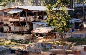 vietnamese_refugee_camp