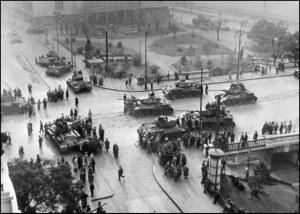 xe_tang_lien_xo-budapest-1956